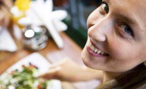 Τρως απλά; Τρως υγιεινά